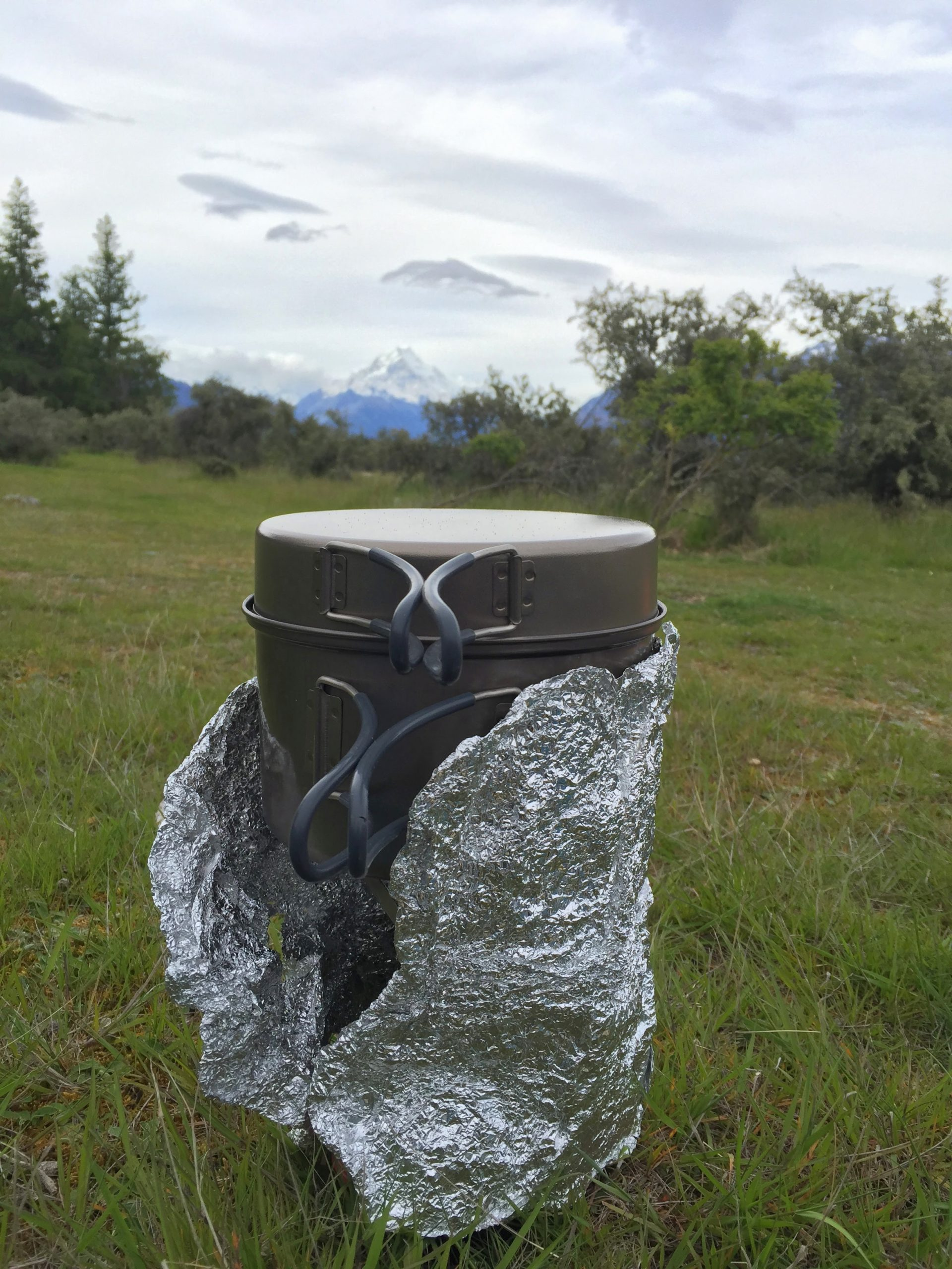 3 ways to make your backpacking fuel last longer tin foil windscreen2