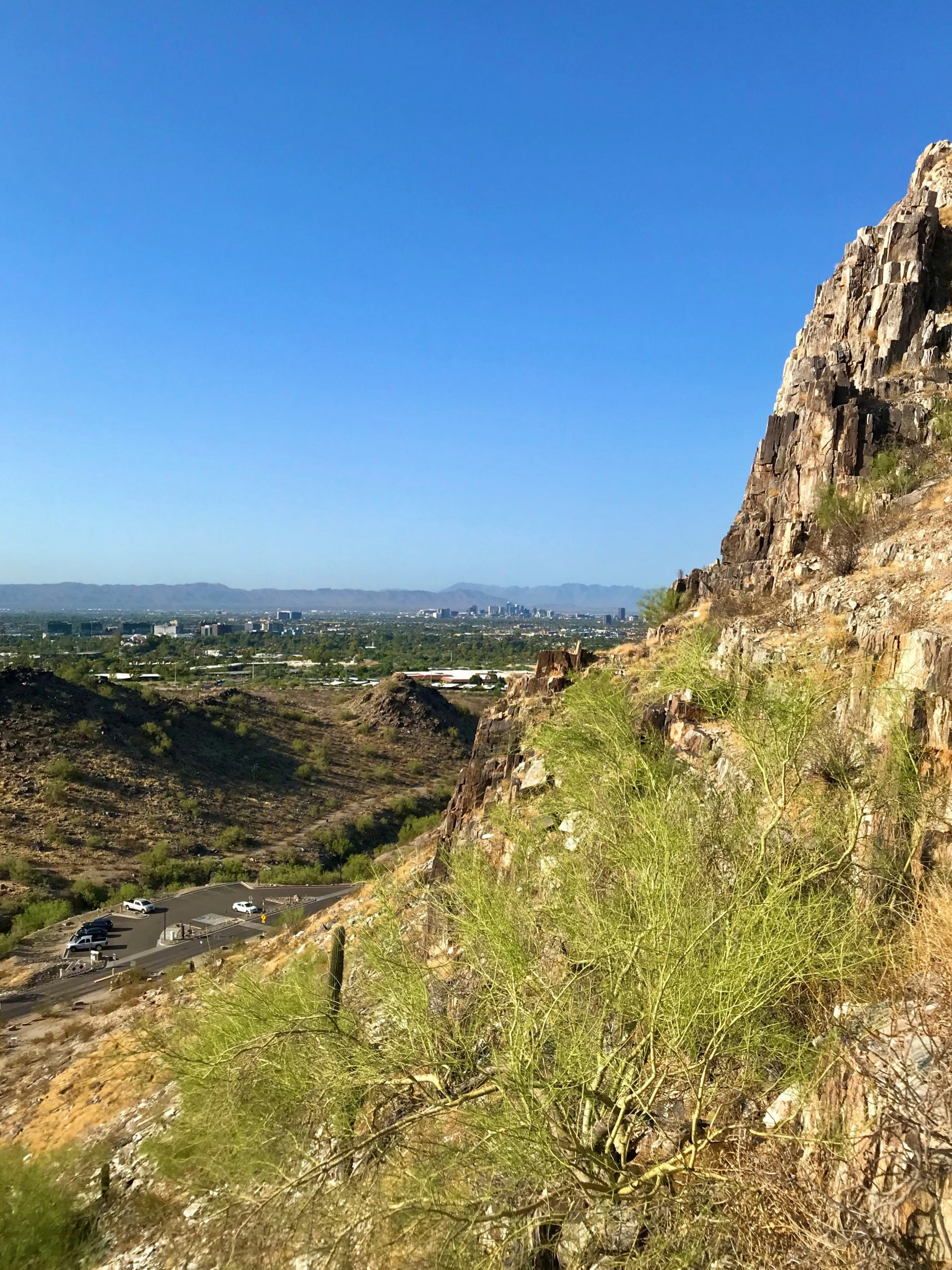 Piestewa vs Camelback? Which should you hike? Piestewa city views 2