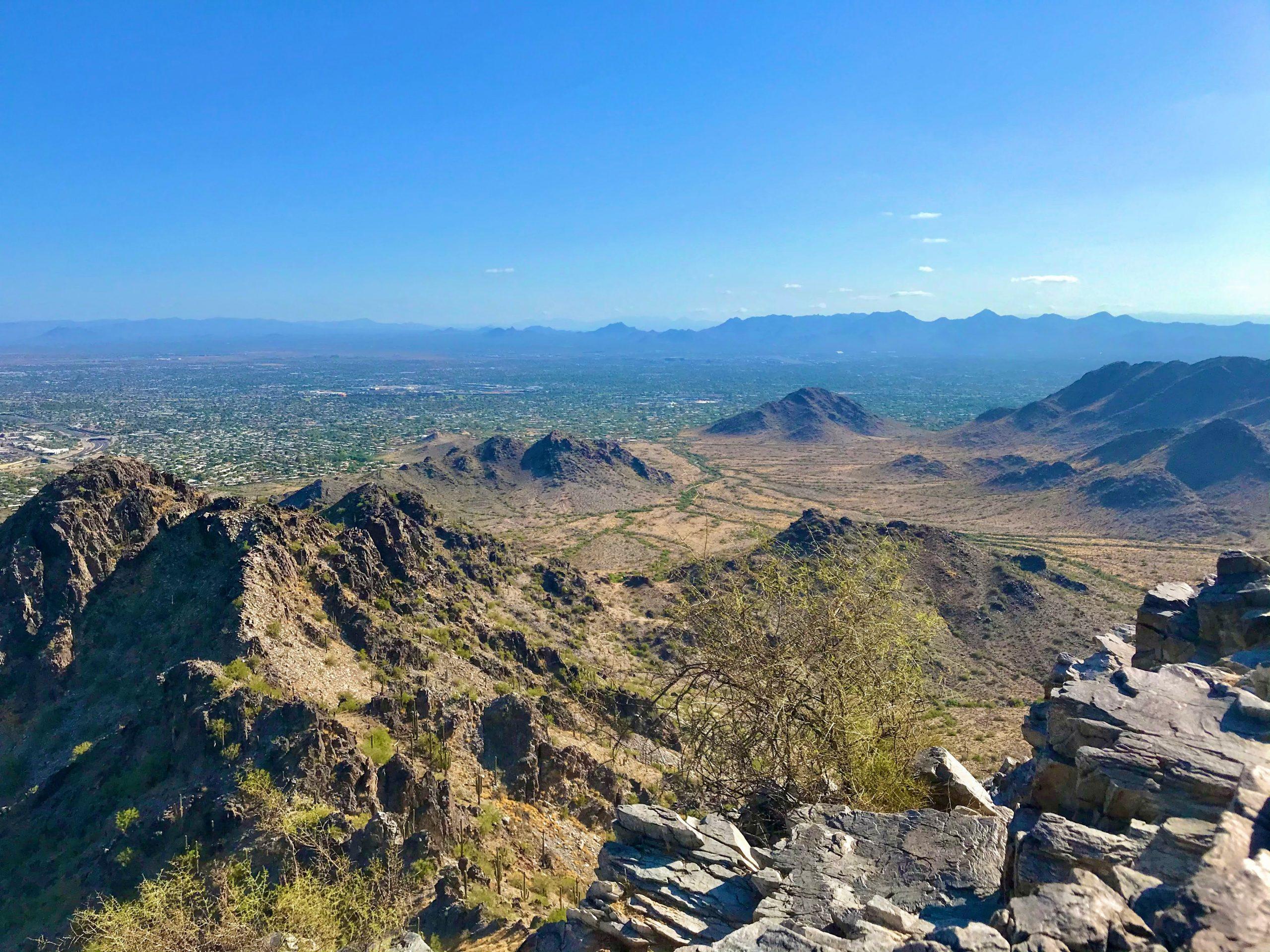 Piestewa vs Camelback? Which should you hike? Piestewa summit