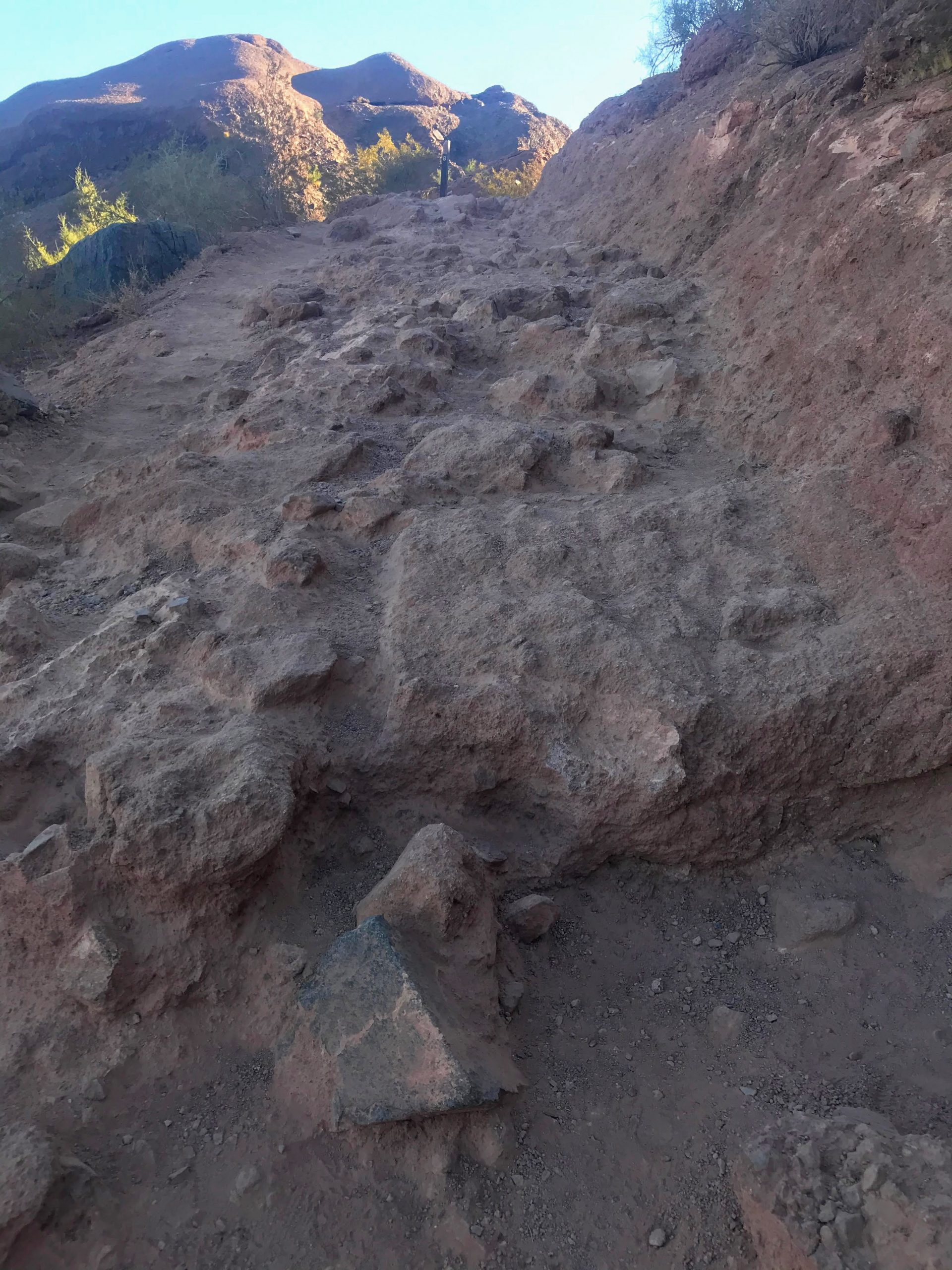 Piestewa vs Camelback? Which should you hike? Rugged trail Camelback
